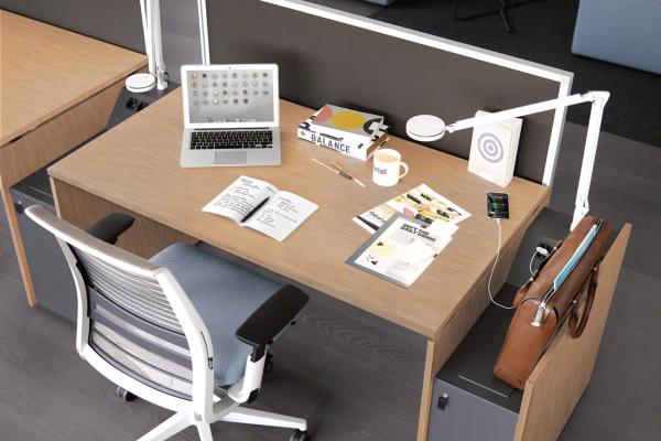 frame4-desk2C48BB50-A379-B70E-8075-8C62C2039FE8.png